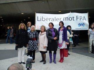 Riksdagsledamöterna Cecilia Wikström (fp), Solveig Hellquist(fp), Maria Lundqvist-Brömster(fp), Camilla Lindberg (fp) och Birgitta Ohlsson (fp)